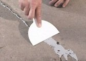 How to repair minor damage to the concrete floor