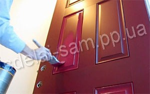 How to paint wooden doors