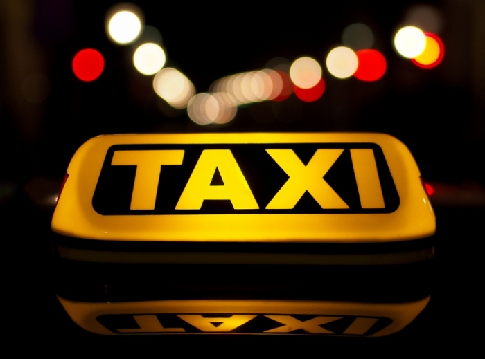Work in a taxi. Advantages and disadvantages